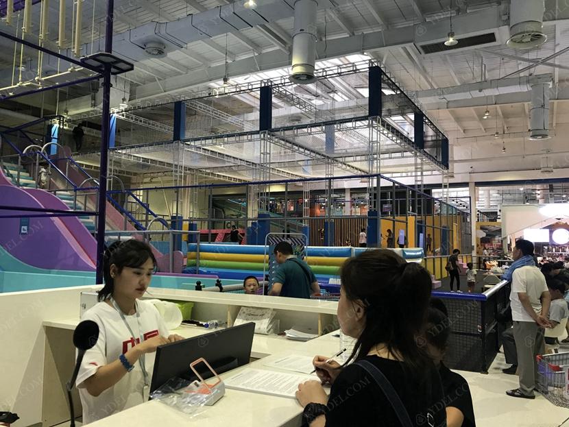 室内运动公园收银区展示